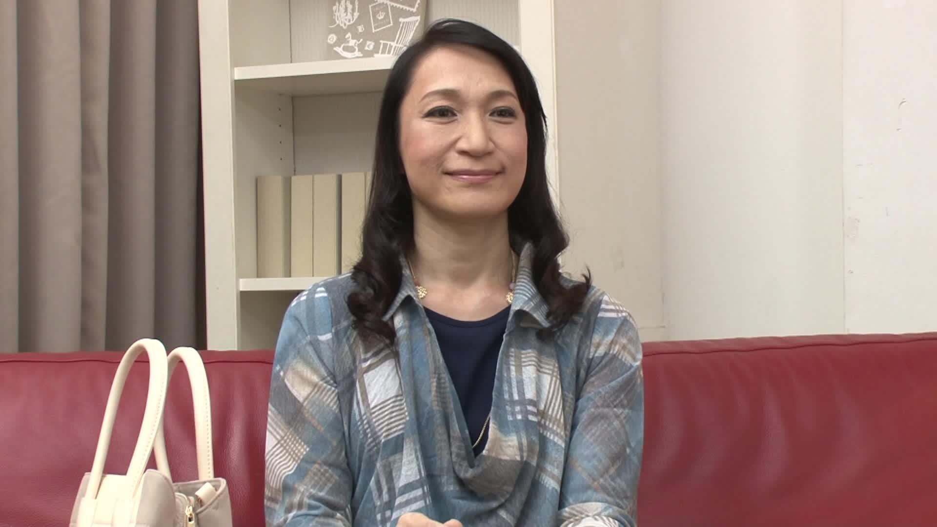 【本田茉莉奈】五十路の人妻が初脱ぎ初撮りAVデビューする素人企画